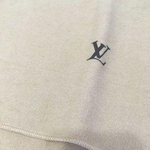 Louis Vuitton dust cover pre owned tan felt gift